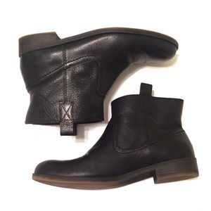 Nine West black leather ankle boots/booties, 8.5